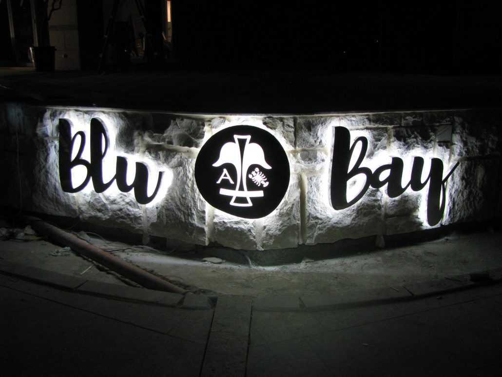 Световые буквы Blu Bay с подсветкой контражур